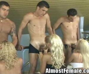 Travesti se folla a jovencito colegio videos gratis video poro de trabestis poristas videos pornos de viejitos cn travestis